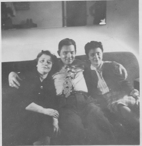 Sam with Gussie and Elaine 1945