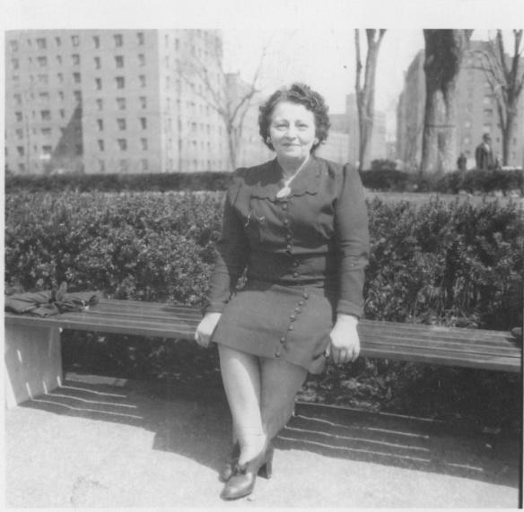 Tilly Ressler 1944