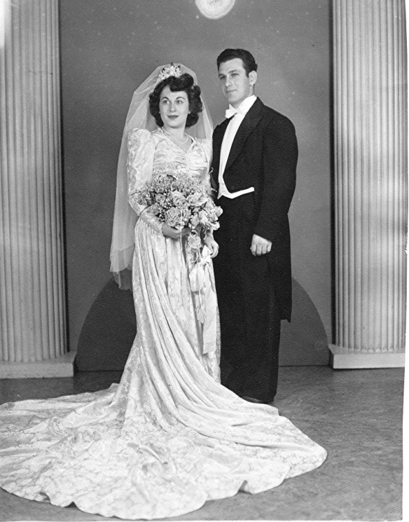 Frieda and Abe Albert at their wedding in 1943