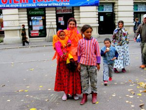 Gypsy family (Iasi), wanted food and money
