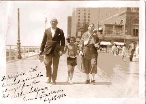 Arthur Seligman, Marjorie, and Eva May Cohen, 1932 Atlantic City