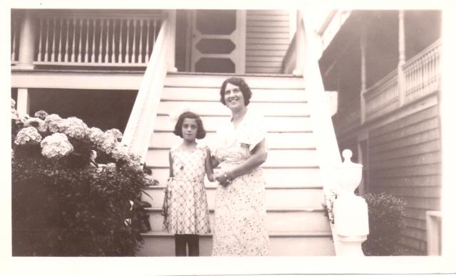 Marjorie and Bess 1933