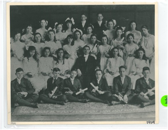 1919 Confirmation Class of Temple Israel, Dayton, Ohio, courtesy of Temple Israel