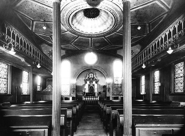 Interior of Hechingen Synagogue http://www.alemannia-judaica.de/images/Images%2022/Hechingen%20Synagoge%20003.jpg