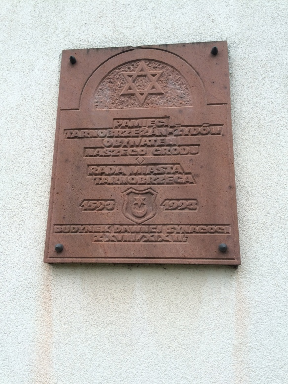 IMG_2660 marker on library marking it as location of synagogue