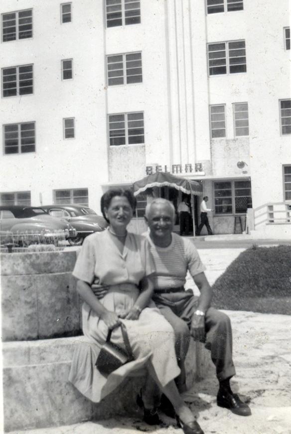 Leo and Jeanette (Freundlich) Seligman