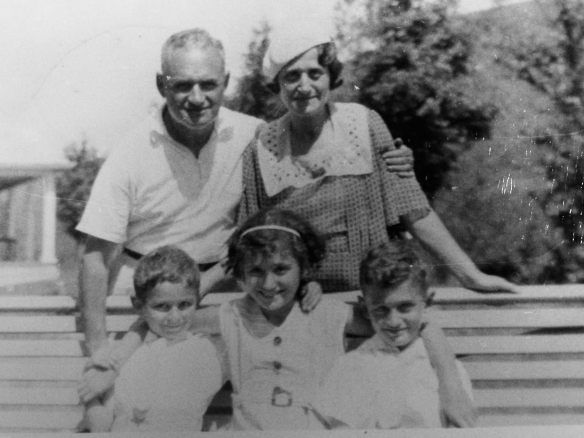 Leo Seligman and his family