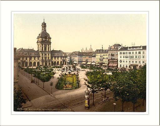 By Snapshots Of The Past (Parade Place and Kaufhaus Karlsruhe Baden Germany) [CC BY-SA 2.0 (http://creativecommons.org/licenses/by-sa/2.0)], via Wikimedia Commons