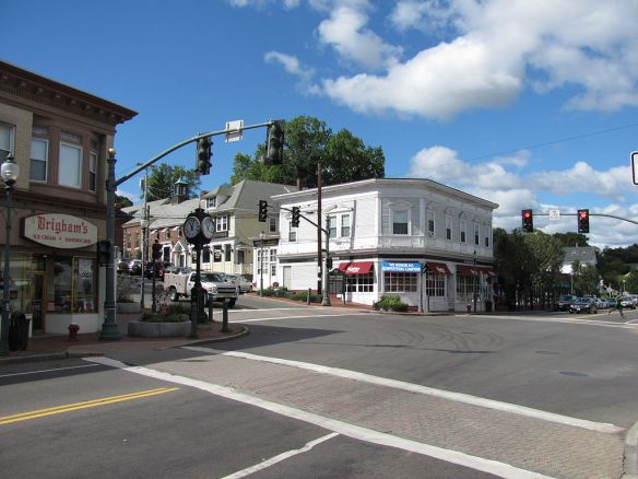 Corner of Park Avenue and Mass Avenue in Arlington By John Phelan (Own work) [CC BY 3.0 (http://creativecommons.org/licenses/by/3.0)], via Wikimedia Commons