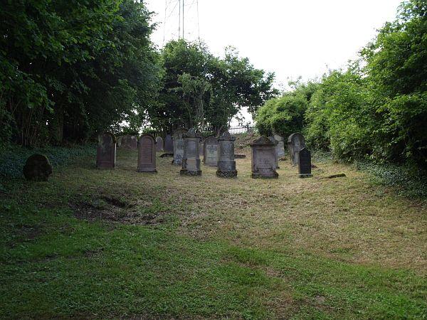 cemetery in Sielen http://www.alemannia-judaica.de/images/Images%20167/Siehlen%20Friedhof%20153.jpg