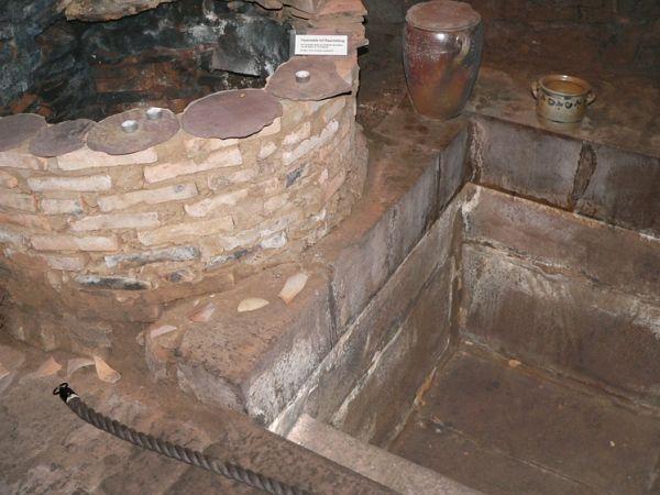 the mikvah discovered in 2001 in Trendelburg http://www.alemannia-judaica.de/images/Images%20148/Trendelburg_Mikwe%20100.jpg