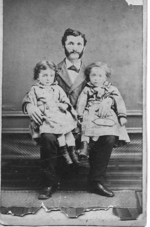 Simon Schoenthal with twins Harry and Ida 1875 Courtesy of the family of Hettie Schoenthal Stein