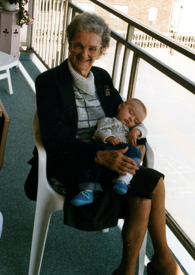 Blanche Stein Lippincott with her great-granddaughter 1996