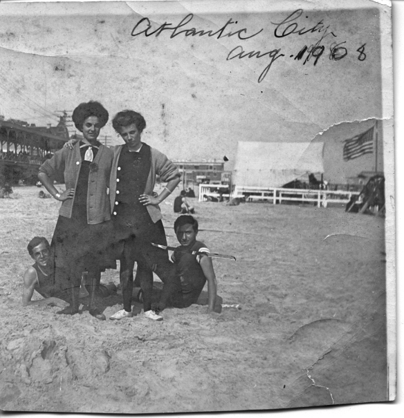 Hettie Schoenthal and her siblings, 1908 Atlantic City. Estelle, Martin, and Maurice?