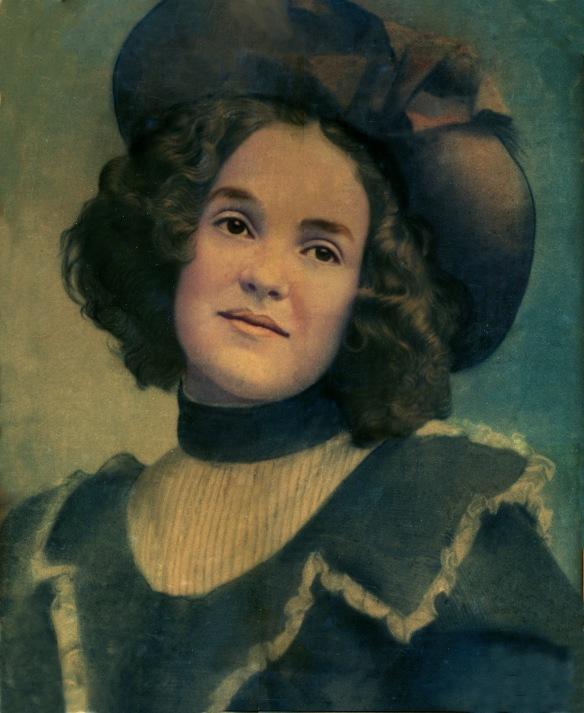 Hettie Schoenthal, c. 1898