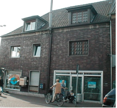 Home of Willy and Rosalie Schoenthal Heymann in Geldern http://hv-geldern.de/images/juden/juden.htm