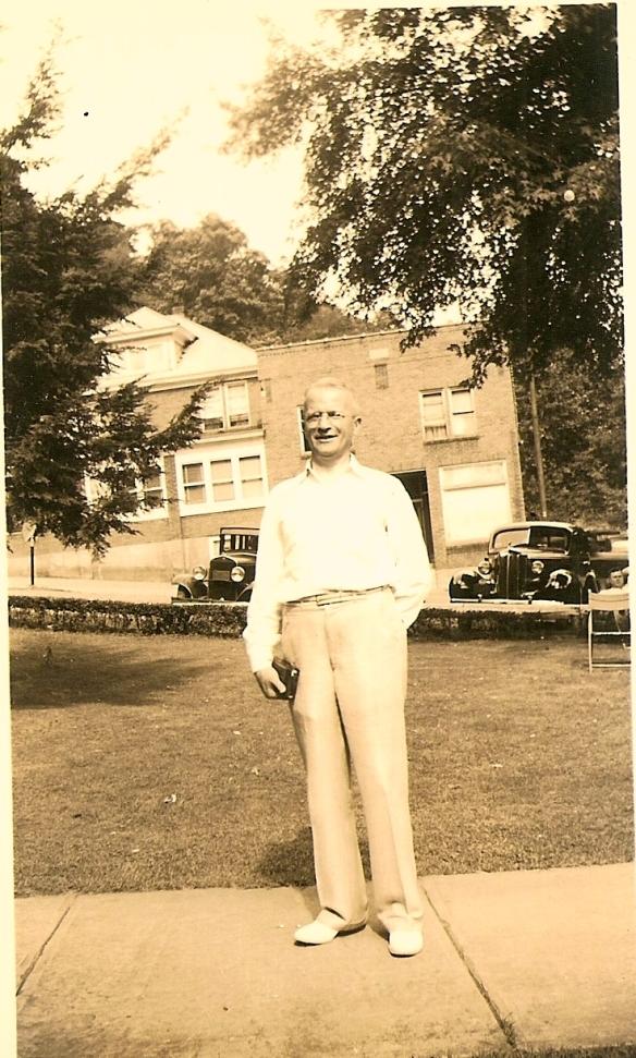 Lee Schoenthal, c. 1940