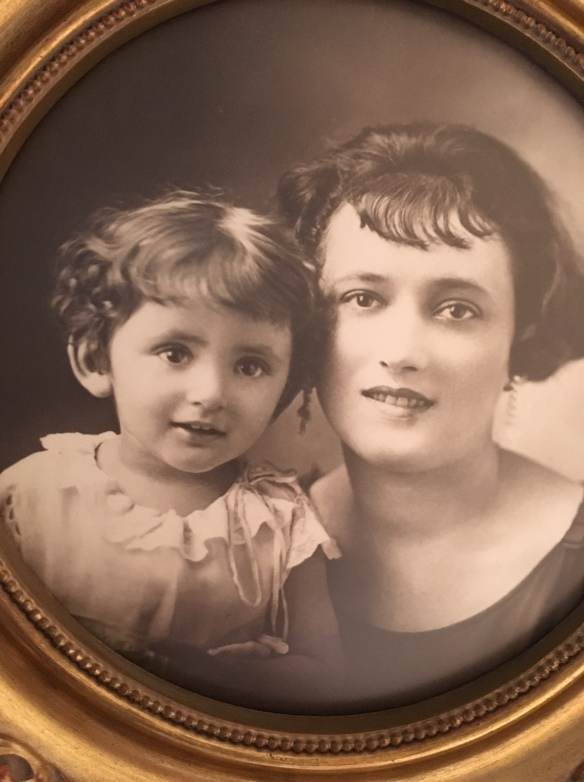 Faye Krakower and her mother Freida