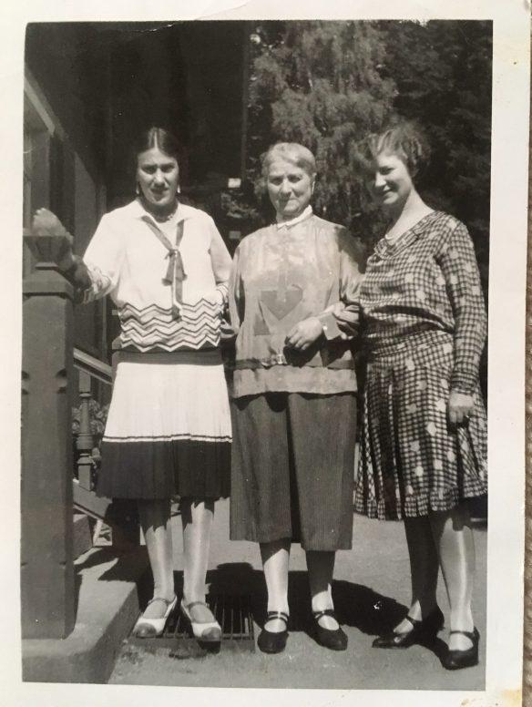 Alice Wronker Engel, Irma Lichter Wronker, and Ida Friedeberg Wronker
