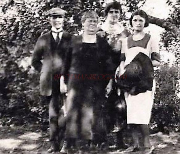 Isidore, Hilda (Katzenstein), and Eva Schoenthal